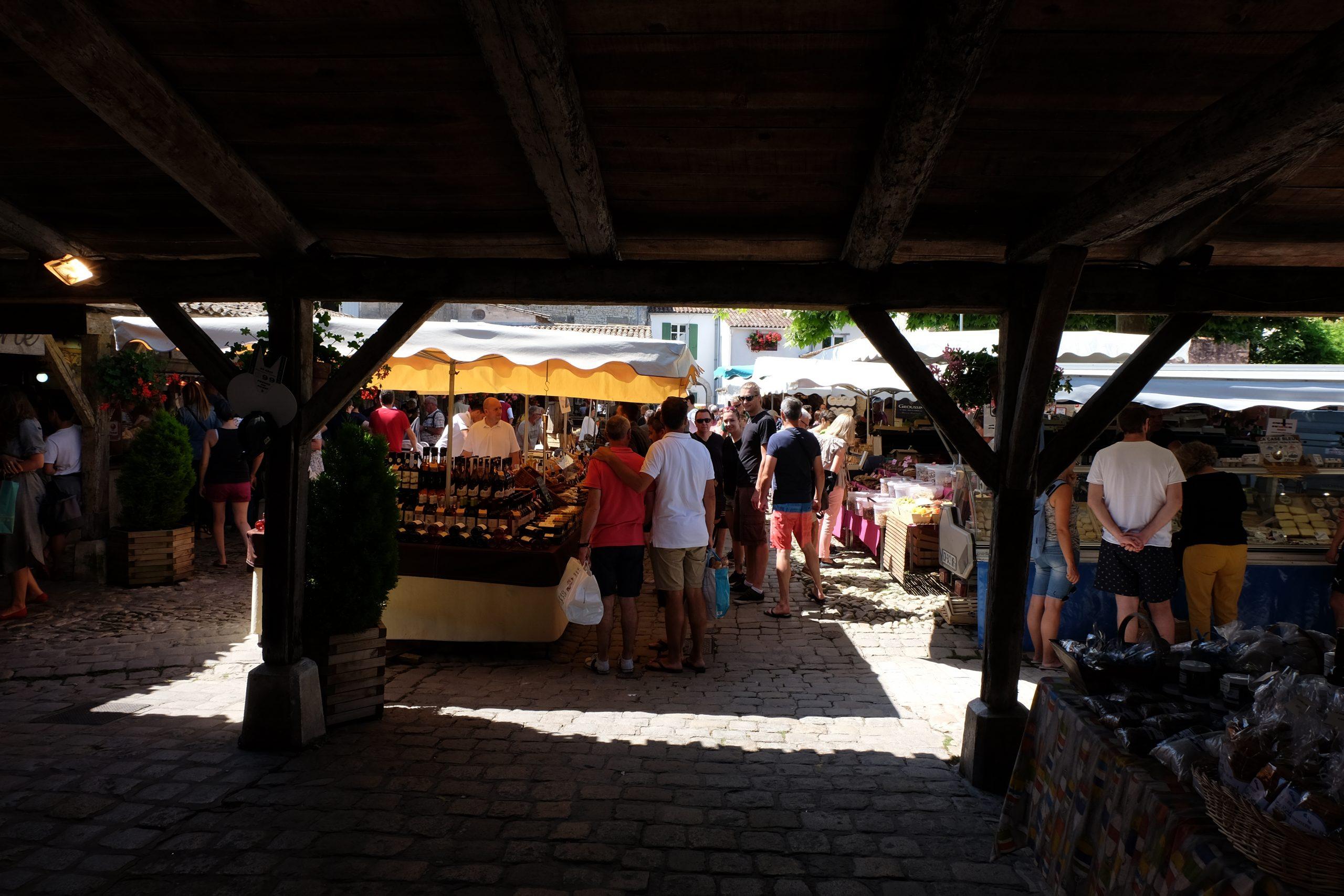Ouverture du marché - La Flotte en Ré, Ile de Ré