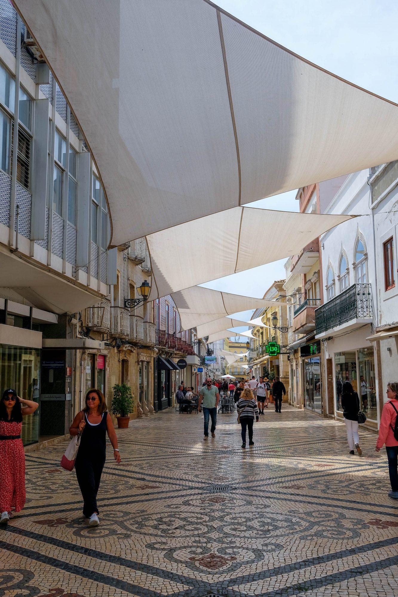 Rue principale de Faro - Faro, Portugal