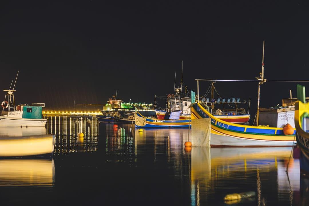 Vue de nuit du port de Marsaxlokk