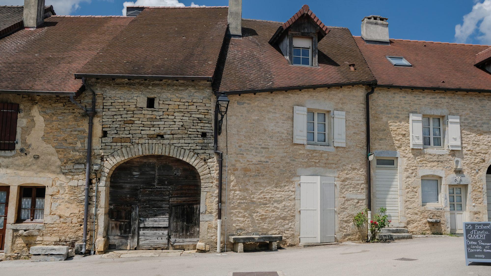 Penchée? - Chateau-Chalon, Jura