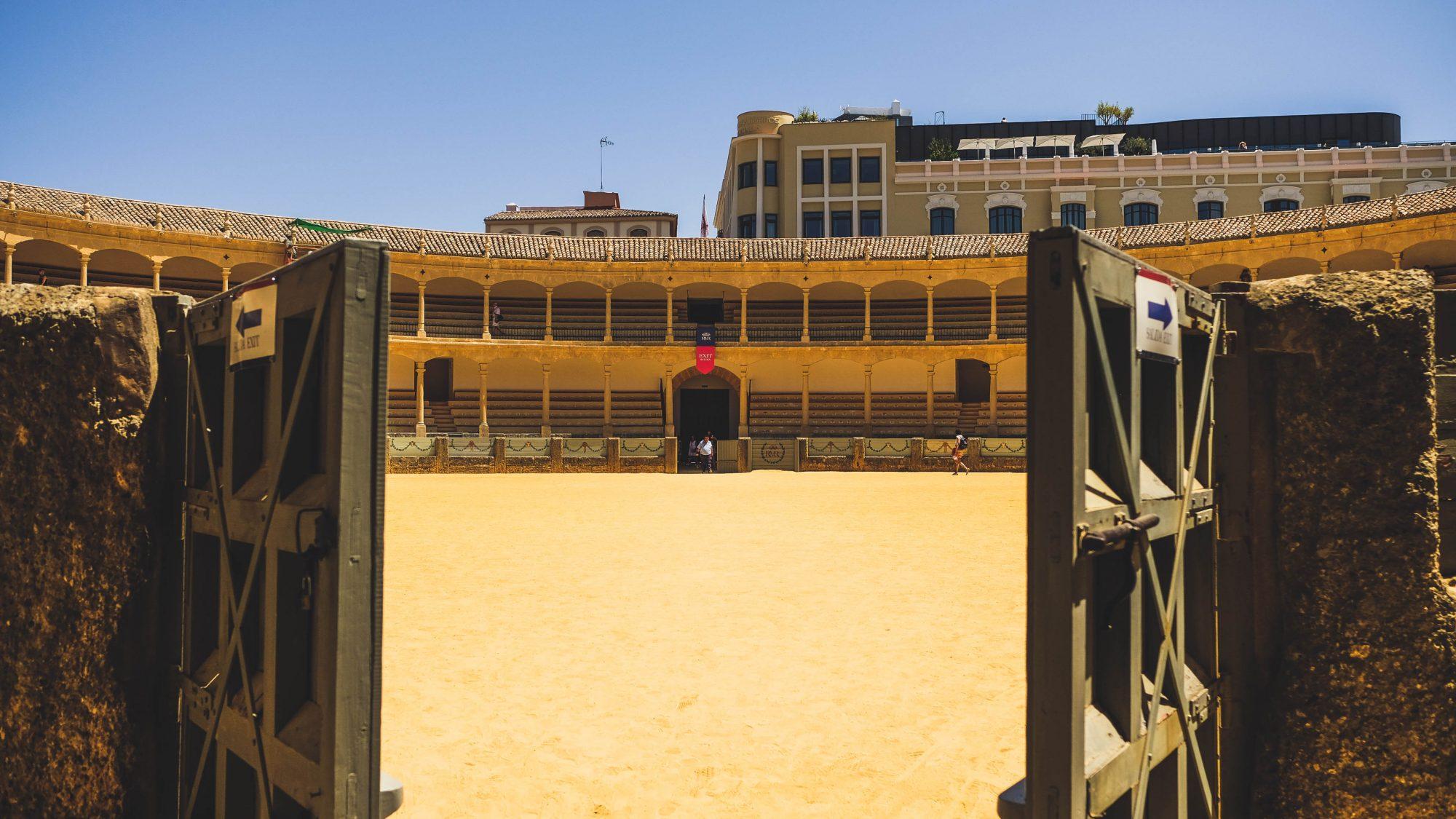 Entrée dans l'arène - Ronda, Espagne