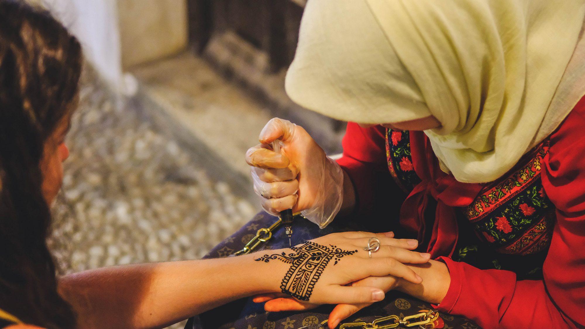 Street Tattoo au Henné - Grenade, Espagne