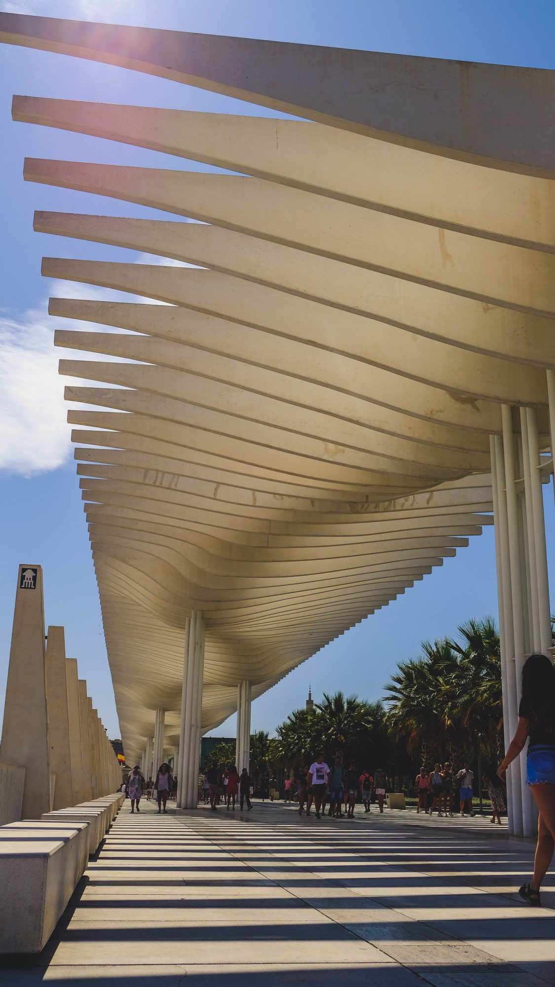 Promenade sur les quais du port - Malaga, Espagne