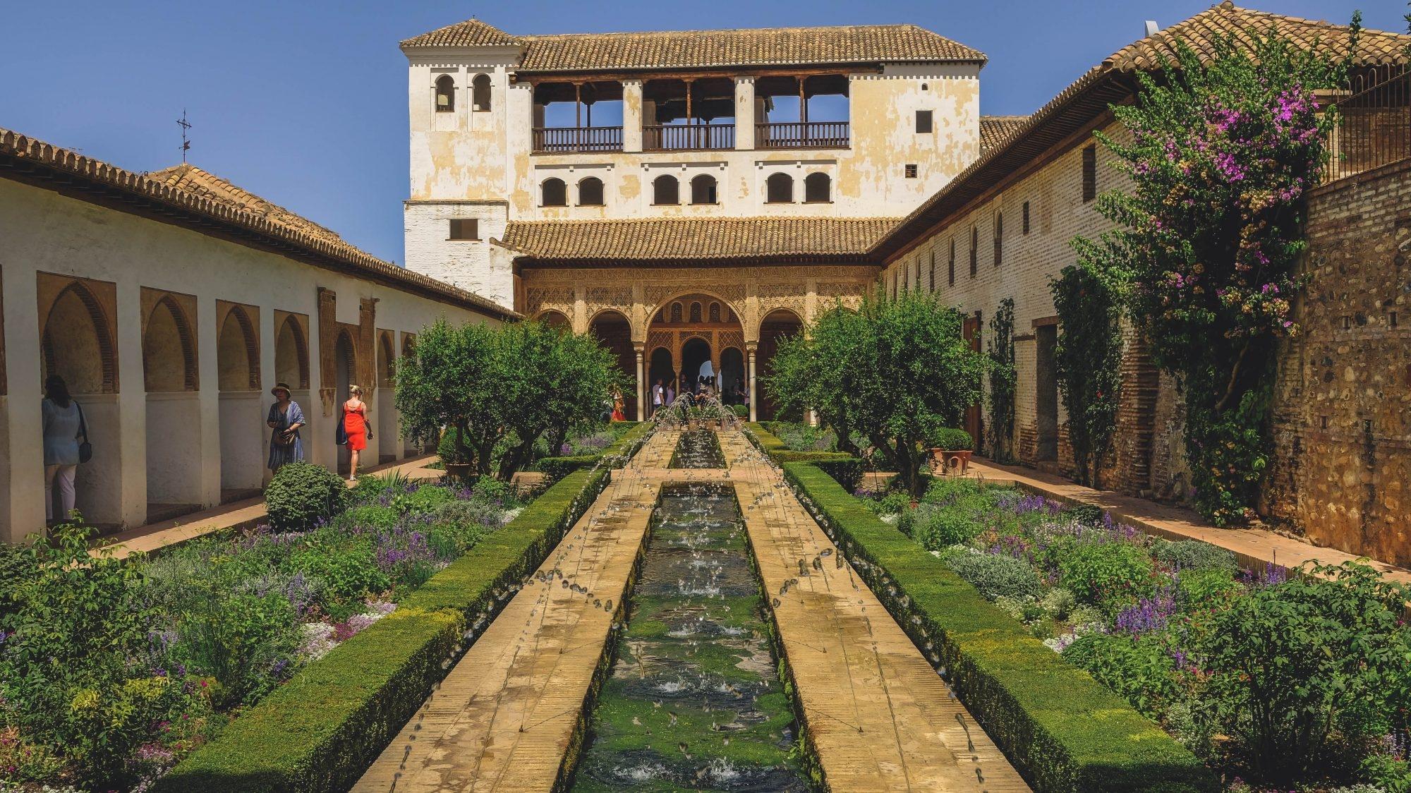 Vue sur le Généralife à l'Alhambra