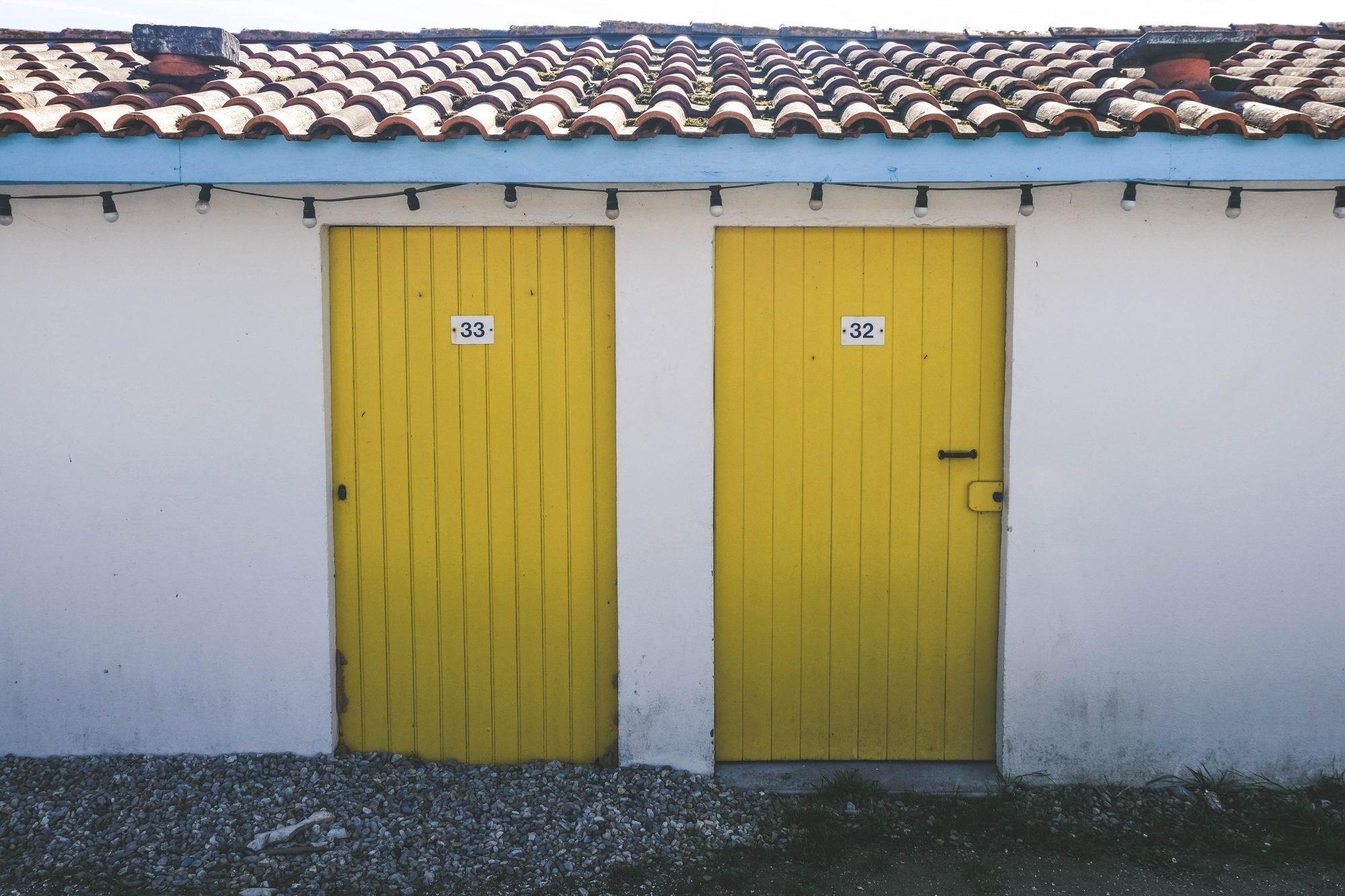 Petites portes colorées - Andernos les bains