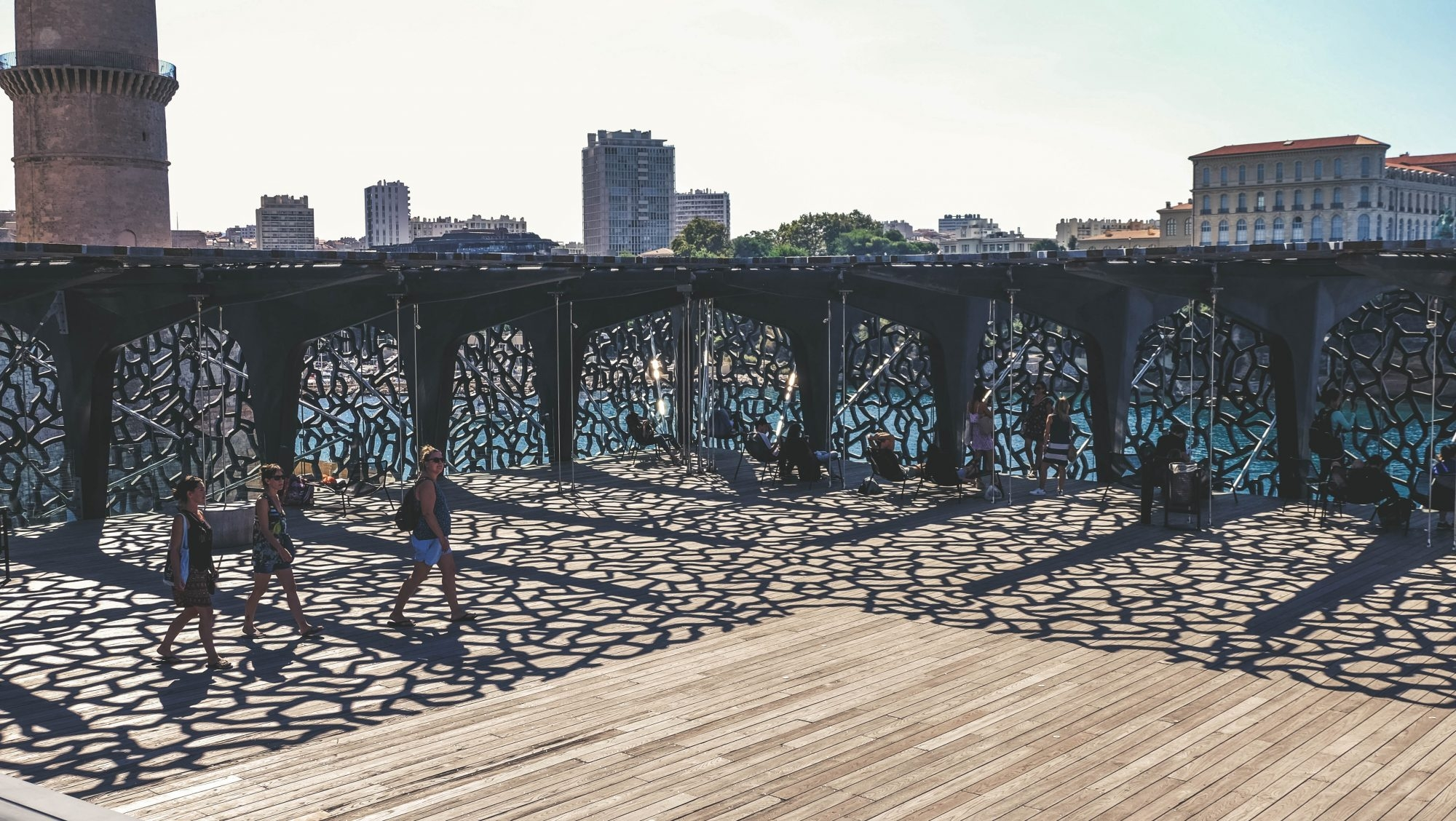 Jeu d'ombres au Mucem de Marseille