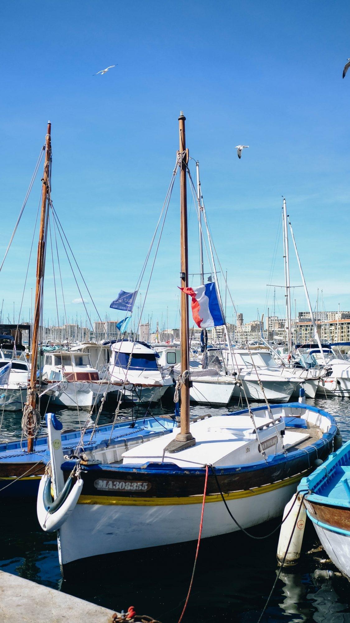 Bateau sur le vieux port de Marseille